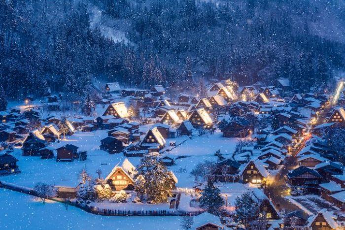 Villages of Shirakawa-go and Okayama covered in snow