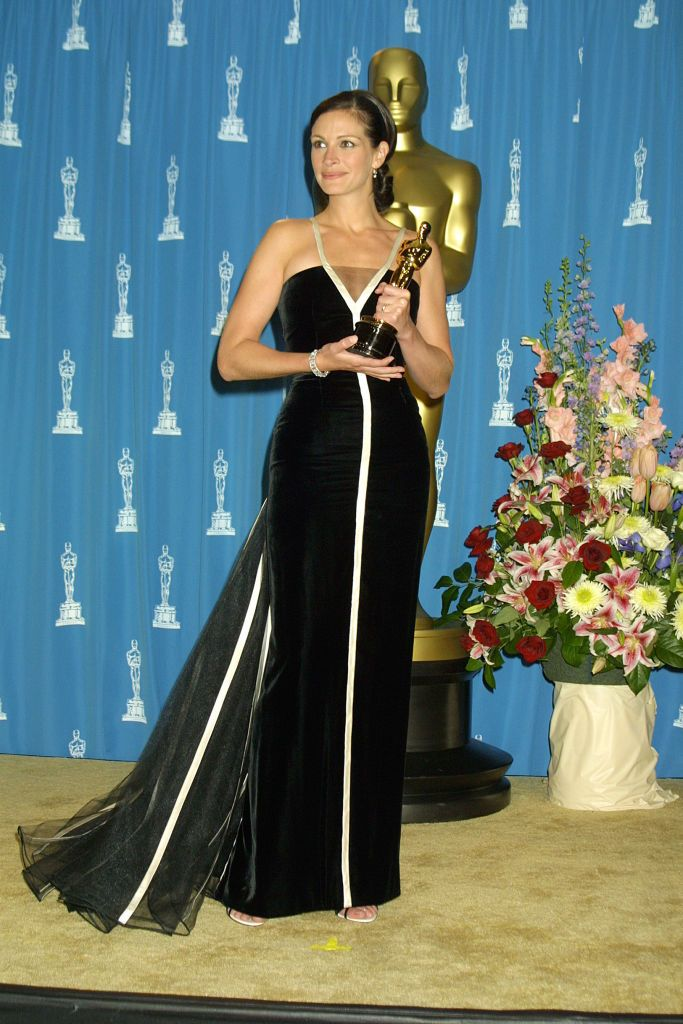 Julia Roberts winning Best Actress for her role Erin Brockovich at the 2001 Oscars